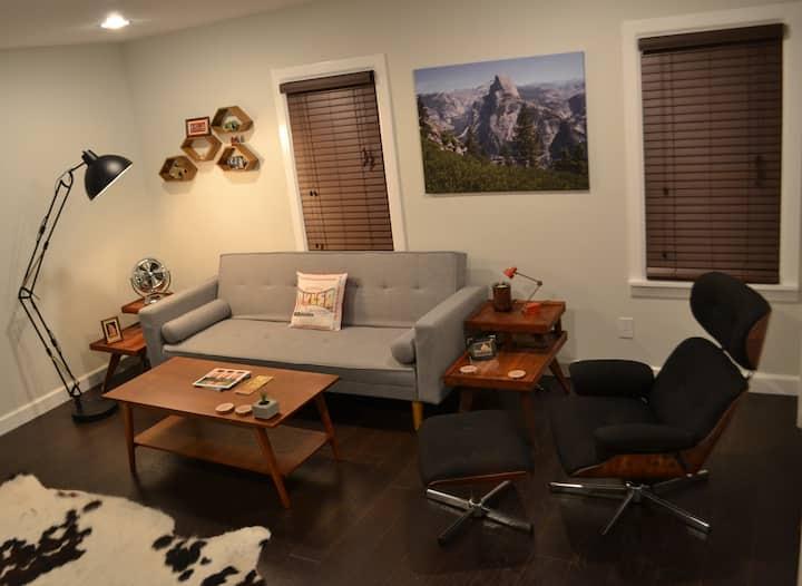MidCentury Studio in Midtown (by 15th Street)
