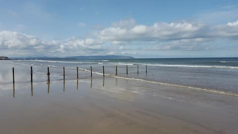 Baileys Bed & Breakfast, by Portstewart beach