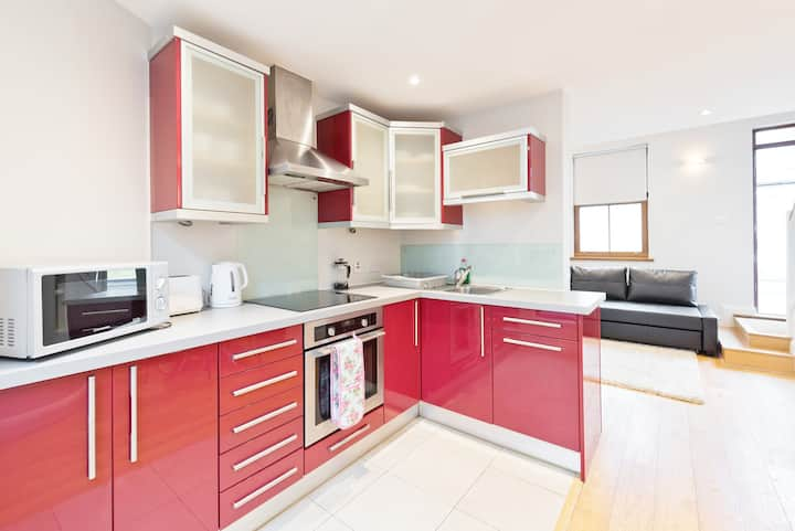 **great location 2bed cottage near christchurch cathedral