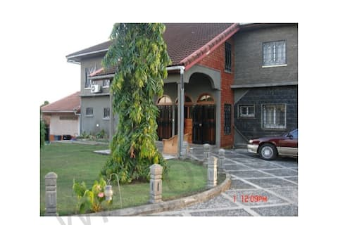 Exquisite 05 Bedrooms Furnished Mansion in Limbe