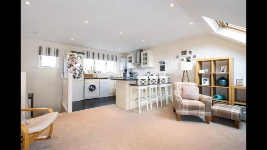 Beautiful split level, top floor flat