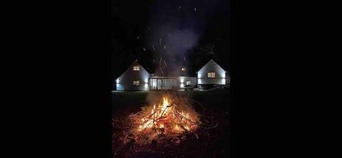 Bear Cottage, Tyn Y Cwm