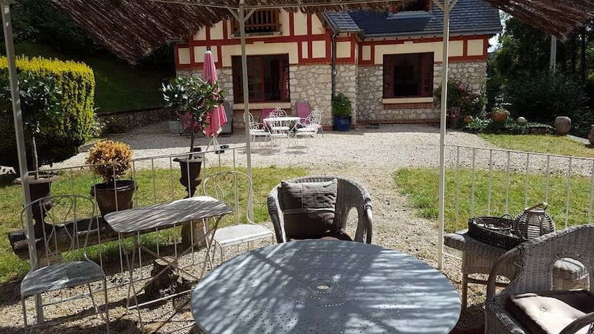 traditional Frenchcountryside House - Orchaise - Talo