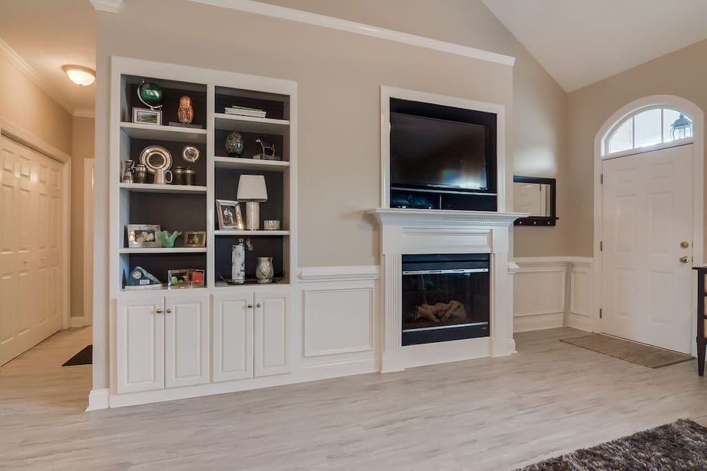 Built ins and gas fireplace