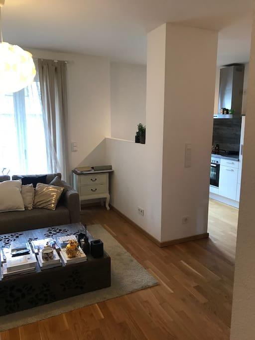 luxeri se wohnung im zentrum von d sseldorf wohnungen. Black Bedroom Furniture Sets. Home Design Ideas