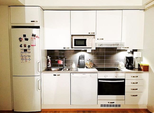 Modern new apartment near airport Helsinki - Vantaa - Apartamento