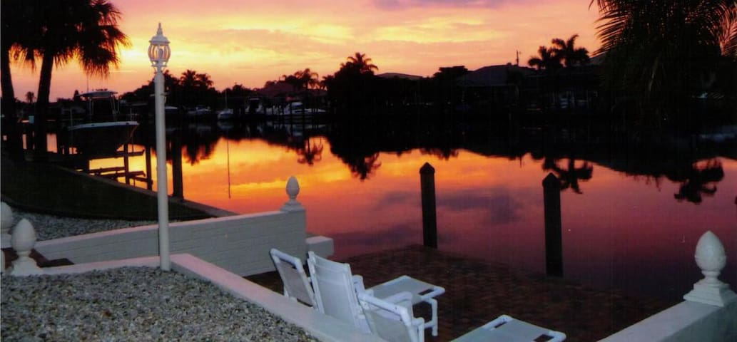 Dream Location in Florida, Cape Coral. Sail boat Gulf access without bridges, without locks