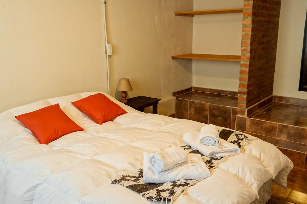 Double Bed / Cama Doble
