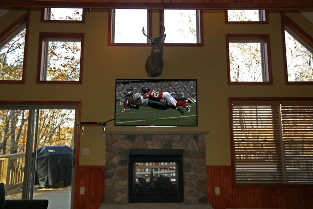 "Indoor/Outdoor Fireplace  65"" High Def TV Beautiful View of Lake Harmony"
