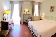 Camera matrimoniale (con due letti singoli separabili)