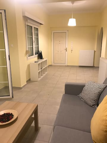 Renovated apartment 5 minutes close to metro!