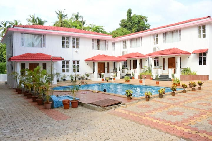 Comfortable 2 BHK Apartment with Pool in Vagator
