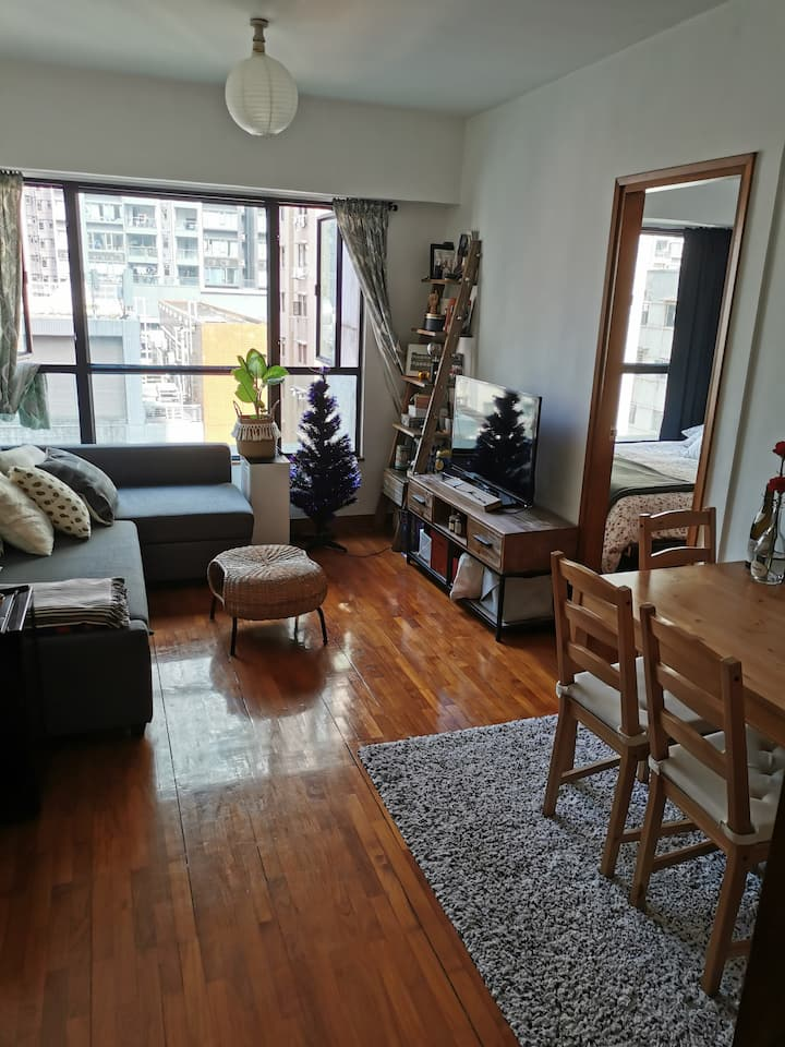 Cozy 1 bedroom apartment in Sai Ying Pun