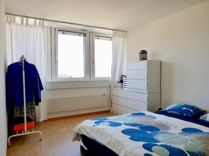 2 bedroom apartment 30min to Zurich