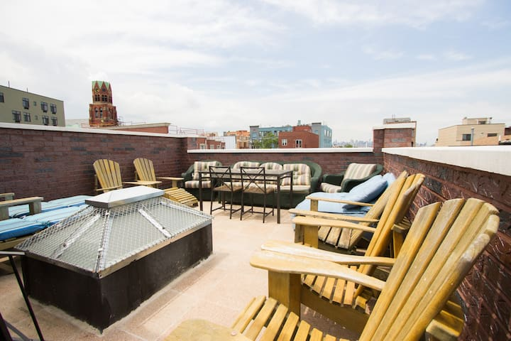Private Roof 4 bedroom 2.5Baths 15m to Manhattan