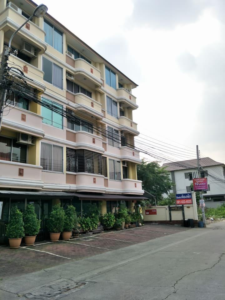 Budget apartment @Ramkhanhaeng 164