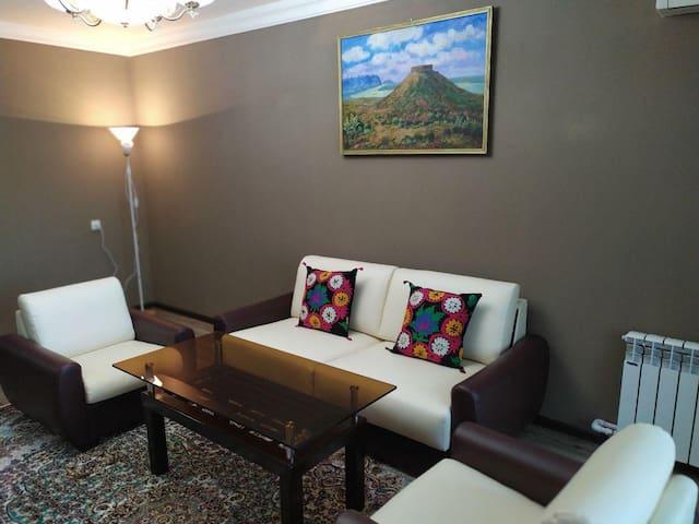 Confartable 2 room apartment near Farkhadsiy bazar