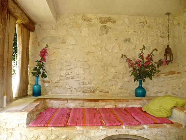 The Alcove: Charming studio for 2 to 4 people