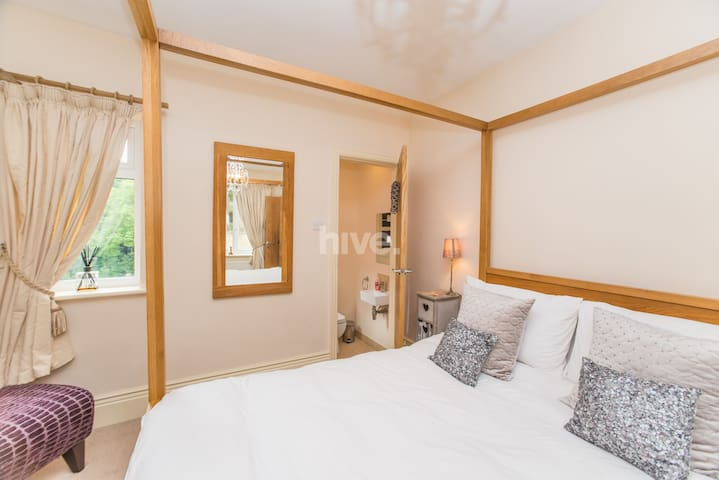 En suite room close to city (5 mins)***** - Newcastle upon Tyne - Bed & Breakfast