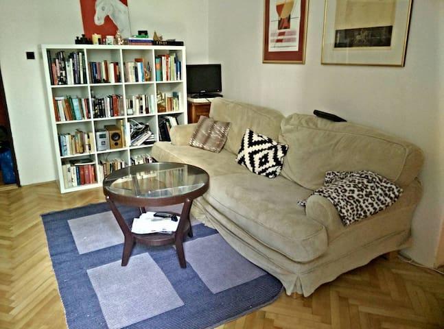 Cozy flat in hip Prague district