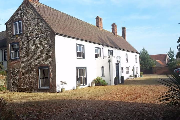 Period Farm House in Great Bircham - Great Bircham