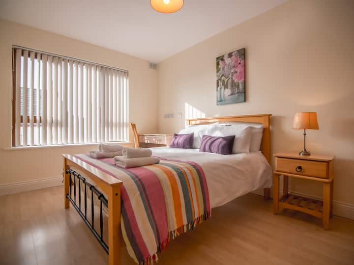 Super Central 3Bed 3Bath Galway City Apartment