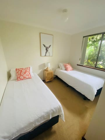 Bedroom 3 2x Single beds & built in robes