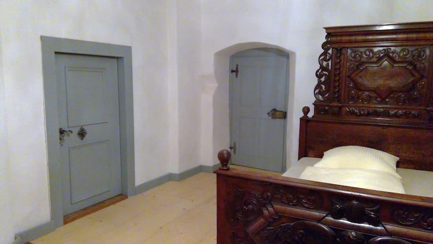 Schloss Schönberg bei Regensburg Westflügel Suite