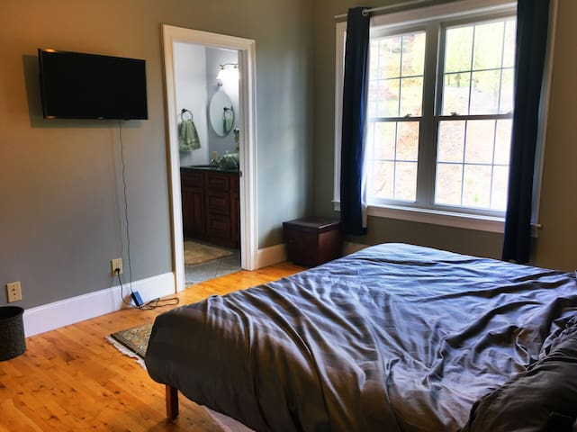 West Asheville - King beds + VIEWS - Asheville - Casa