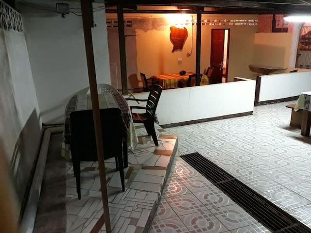 Chez Koté Tino,