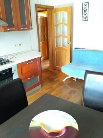 Уютная квартира в  центре города - Челябинск