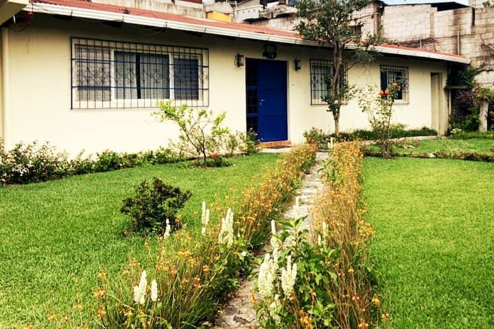 Casa Isabel; cómoda, tranquila, buena ubicacion!