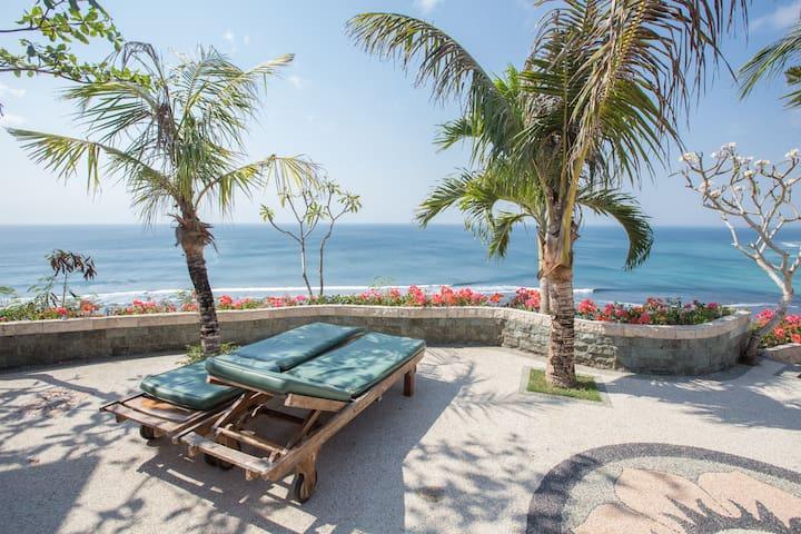Double Surf Apartment w/ Ocean View by Bukit Vista