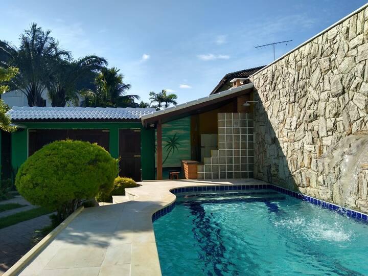 Nossa Linda Casa de Férias à 800 da Praia.