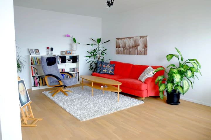 Nice apartment, 10min to Stockholm City - Sundbyberg - Appartement