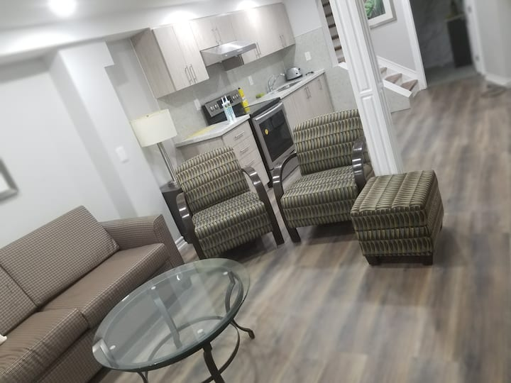 A Bedroom in Basement apartment for 2 to 4 People