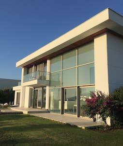 CONTEMPORARY VILLA 2 - İzmir - วิลล่า