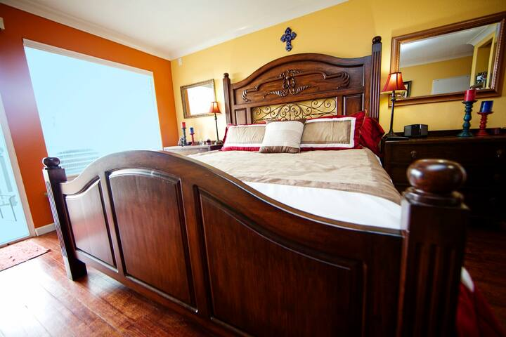 Ocean Side Resort, Comfy Beds, Stylish decor!