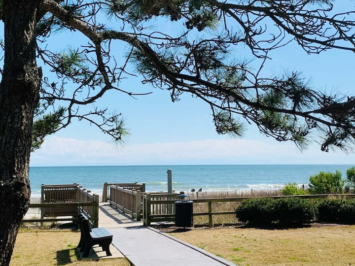 (AM21) great condo across from the beach