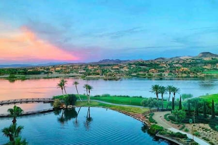 Paradise only 20 minutes from The Strip & Airport