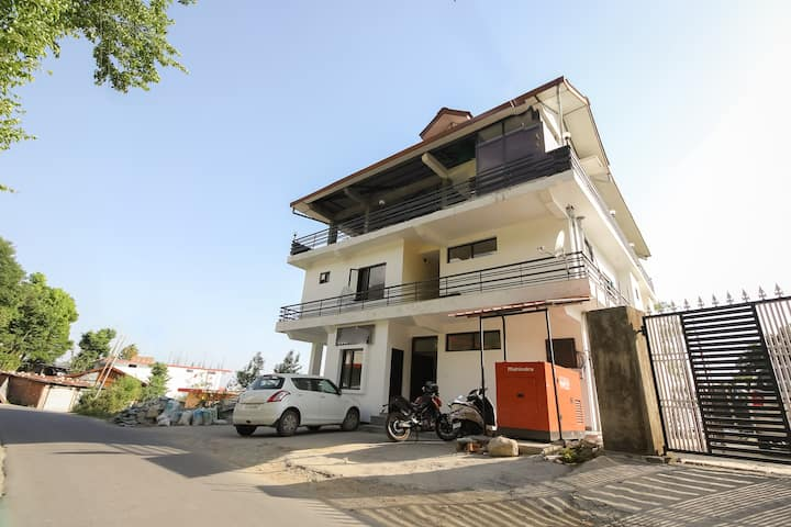 OYO Deluxe SMART Furnished Room in Dharamshala