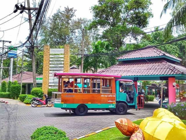 Free Shuttle Bus around Laguna and to the beach