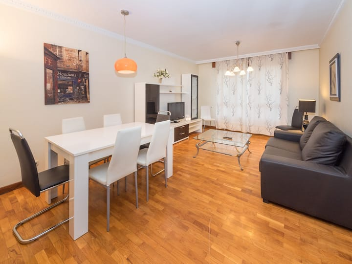BRIGHT AND WIDE 4 BEDROOMS APARTMENT