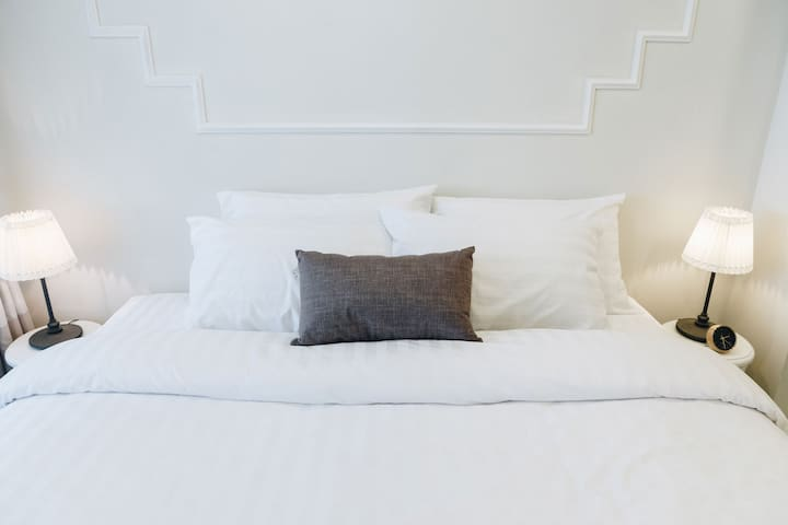 1 Double bed (King size bed).  Setup Pillows, Bed linens, and warm duvet.