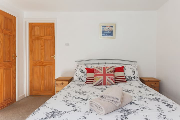 Cosy apartment centrally located in Cornwall