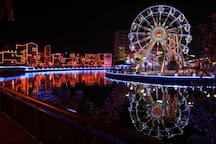 Each boxes of ferris wheel carries happiness and joy fullness  幸福摩天轮