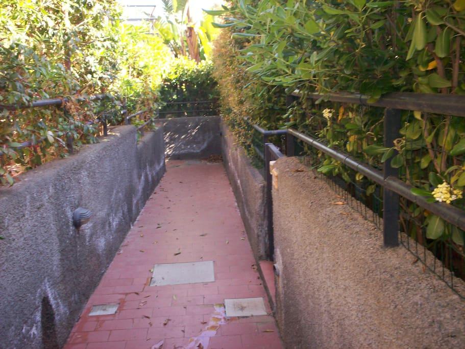 Corridoio per l'accesso in casa