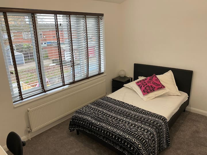 Double Room close to Heathrow