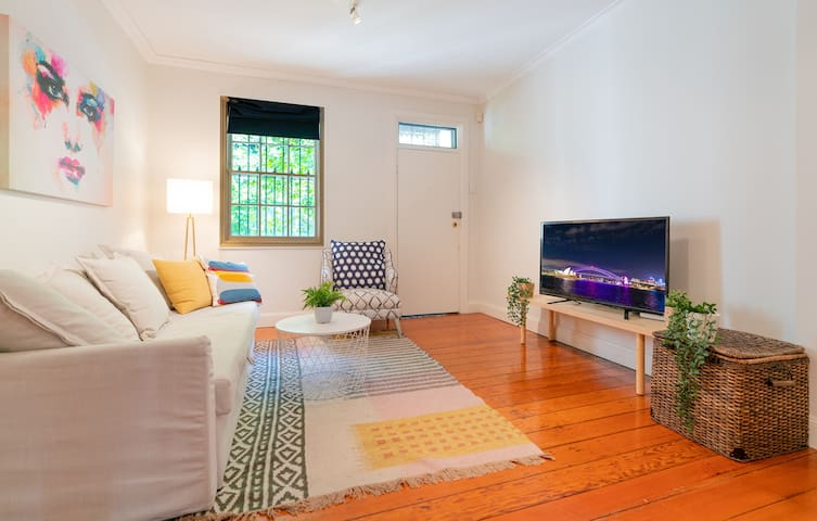 P272-Good Location in Pyrmont near The Star & ICC