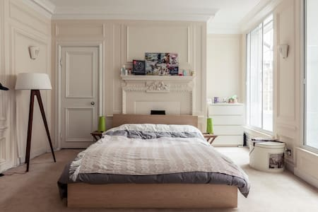 Large Charming Flat - Apartment